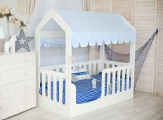 Кровать-домик с верхом белый